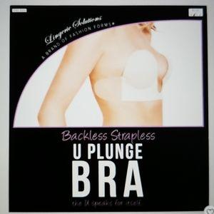 NWT Fashion Forms U-Plunge adhesive strapless bra